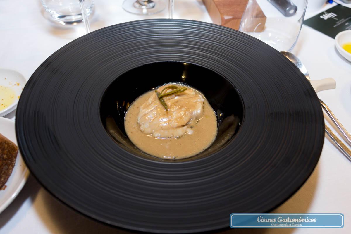 Raya del Mediterráneo, mantequilla negra y encurtidos - Restaurante Saiti