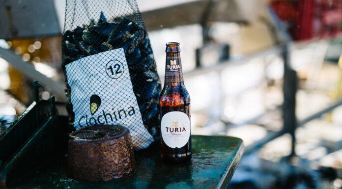 Cerveza Turia rinde homenaje a la cultura de la clóchina valenciana con su campaña 'Temps de clòtxina'