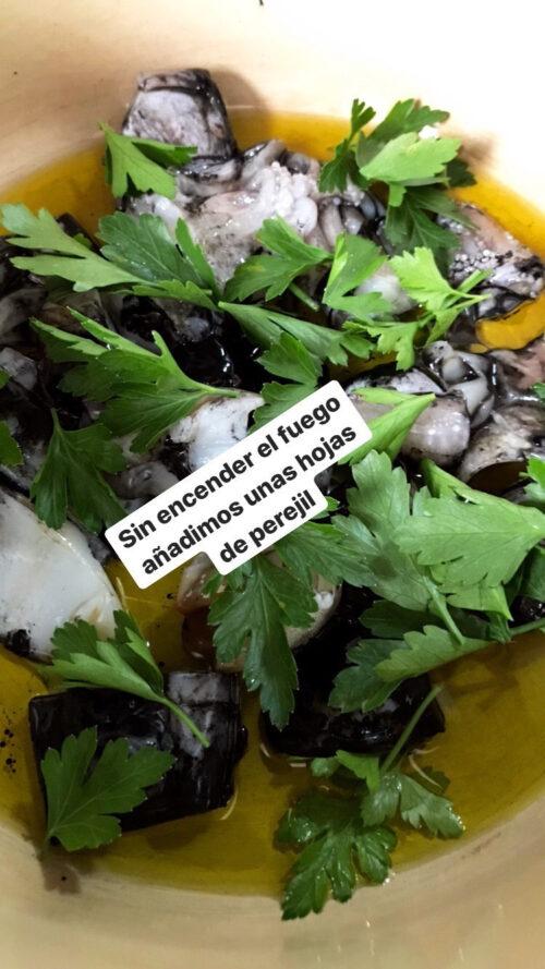 """""""Paso a paso"""" con Viernes Gastronómicos y Luis Asensio: receta de sepia sucia"""